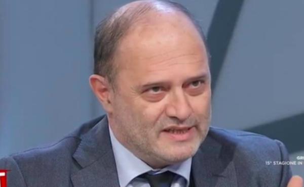 """Migranti, Franco Bechis: """"Zero sbarchi in Italia da quando c'è il coronavirus, è la prova della regia occulta"""""""