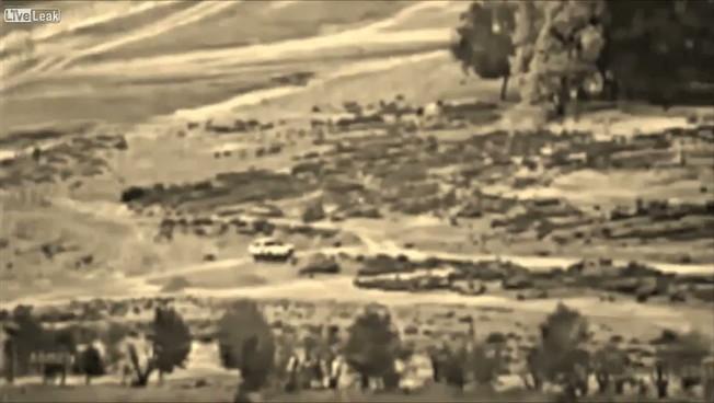 Attacco aereo ai talebani: pioggia di fuoco, immagini forti / Guarda il video