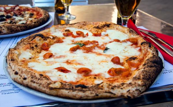 La pizza è come una droga: dà dipendenza, il segreto è in un suo ingrediente