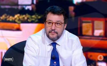 """Fase 2, Matteo Salvini contro Giuseppe Conte: """"Almeno Macron non ..."""