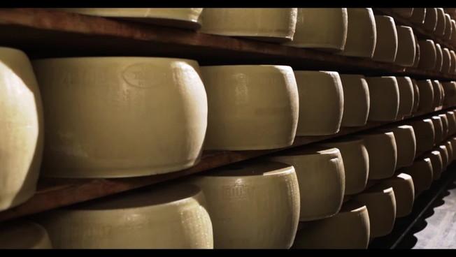 A Natale Parmigiano Reggiano stagionato 40 mesi