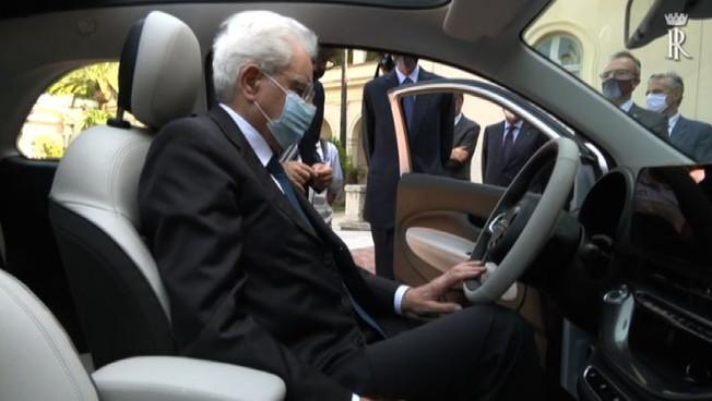 Presentata al presidente Mattarella la nuova 500 elettrica