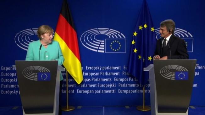 Merkel a Bruxelles presenta le priorità presidenza tedesca Ue