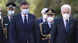 Foibe, Mattarella mano nella mano con Pahor: la prima volta, un gesto che fa la storia