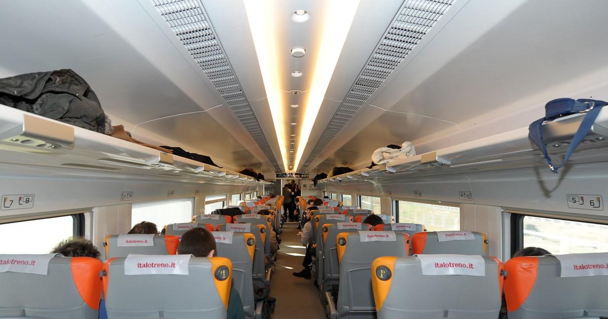 """Coronavirus, la decisione che i treni ad Alta Velocità avranno il 100% dei posti. Dal Cts: """"Siamo contrari"""" thumbnail"""