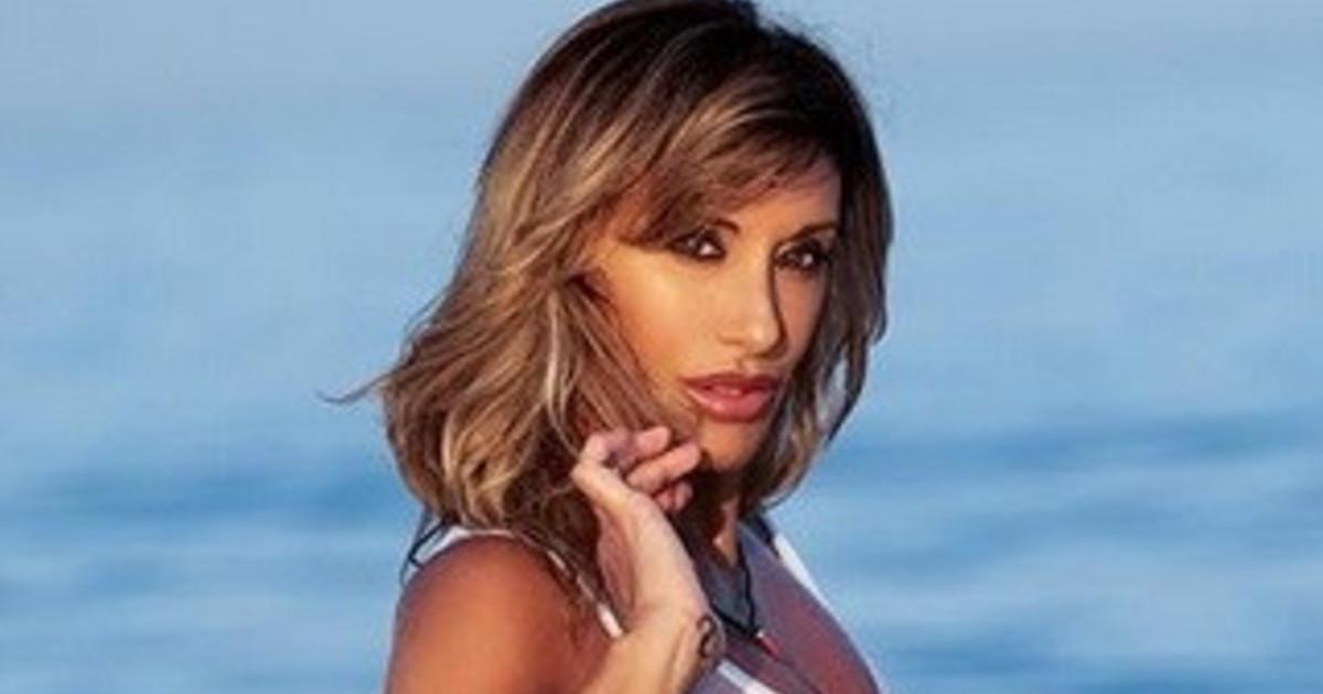 Sabrina Salerno, maglietta fradicia e il nudo di fatto è integrale: la ...