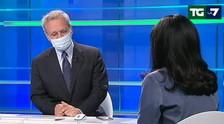 Intervista di Mentana alla maschera dell'Azzolina: Le regole a scuola non cambiano / Video