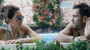 Non abbracciarmi. Elisabetta Gregoraci umilia Pretelli e congela Briatore con un colpo, la bomba a bordo piscina al GF Vip