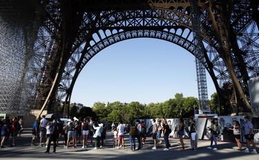 Coronavirus Choc In Francia Il 17 Dei Tamponi Positivi Macron Mercoledi Parlera Alla Nazione Lockdown Libero Quotidiano