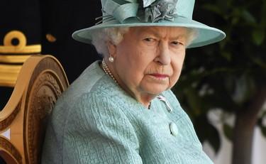 Regina Elisabetta Quella Qui Non Entra Clamoroso Schiaffo Convoca Il Principe Harry E Lascia Meghan Markle Fuori Dalla Porta Libero Quotidiano