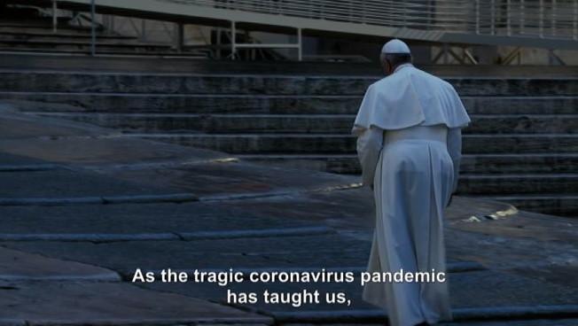 Papa Francesco e il film in cui apre alle unioni civili gay
