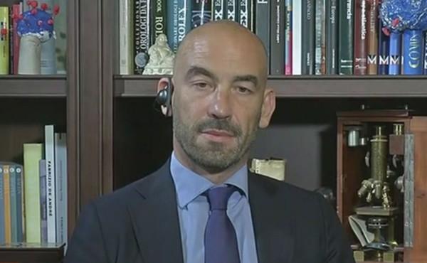 """Coronavirus, Massimo Bassetti: """"Epidemia ingigantita. Morti per complicazioni respiratorie nel 2020? Simili al 2018"""""""