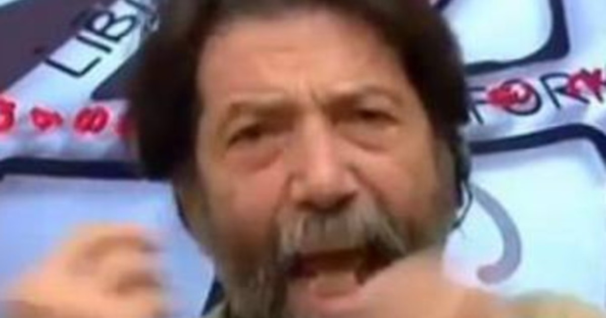 Orge per Natale?  Massimo Caciari, raptus live da Gruber: sesso e Covid, un duro colpo per Conte