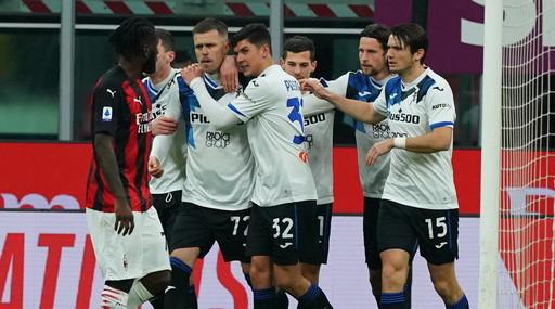 L'Atalanta travolge il Milan con un super Ilicic a San Siro. I rossoneri sono però campioni invernali