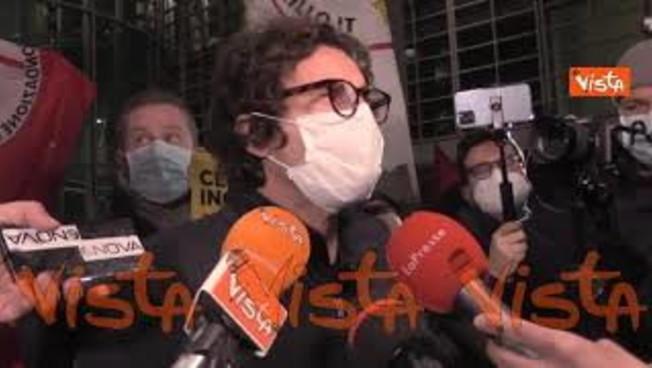 Danilo Toninelli inguaia Pd e M5s: 'No a Renzi. Forza Italia? Solo quelli incensurati'