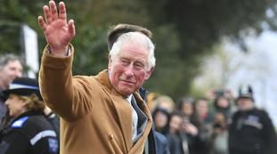 Meghan e Harry? Ecco il commento del principe Carlo: Fantastico qui, c'è ... Lo sciocco gelido con l'infermiera nigeriana