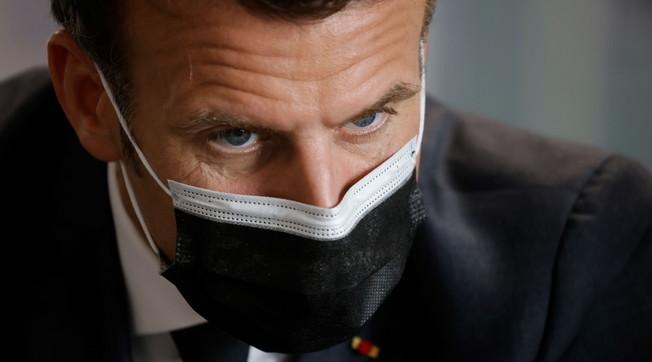 El fusilamiento de inmigrantes ilegales, como el ídolo de izquierda Macron es humano: terror francés en la frontera con Italia