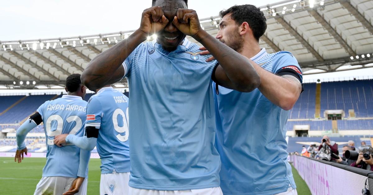 La Roma non sa più vincere e la Lazio doma lo Spezia. Verona corsaro, Genoa e Benevento recriminano