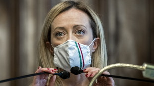 Off with that stuff.  Giorgia Meloni, the recipe for Libero: how to recover the 5 billion thrown away by Giuseppe Conte