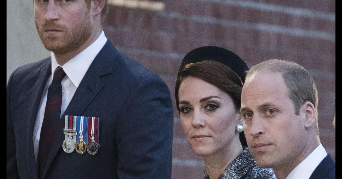 No funeral de Philip sem uniforme: Eles não fazem isso por Harry.  Outra cicatriz real: aparece um nome muito pesado