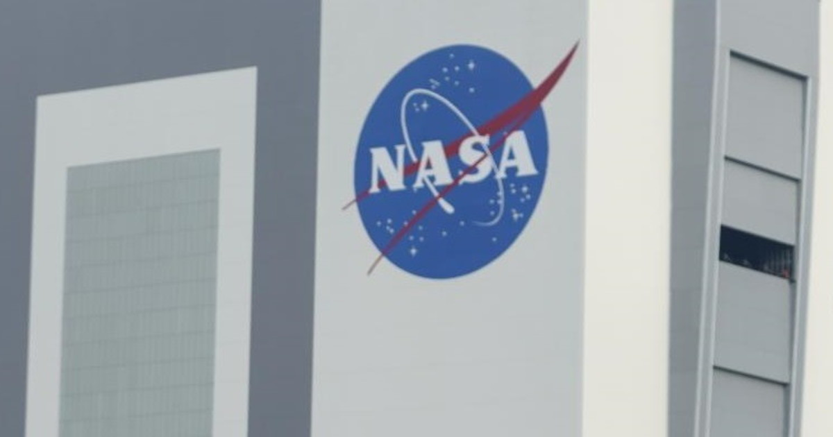 I just wanted to get ses ***.  NASA intern is the fool of the century: In his bed, a planetary catastrophe