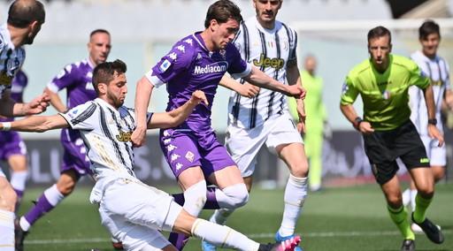 Morata risponde a Vlahovic: Fiorentina-Juve finisce 1 a 1. I viola complicano la corsa per la Champions dei bianconeri
