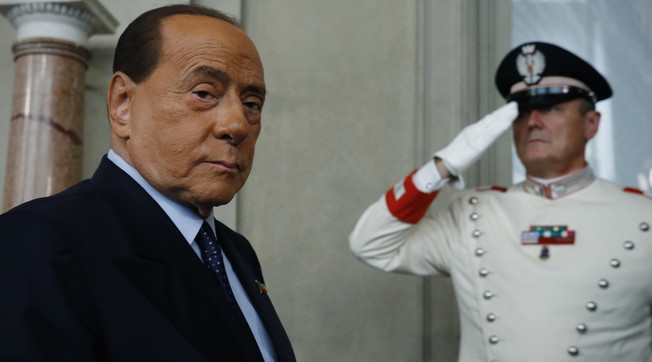 Draghi al Quirinale, lui a Palazzo Chigi. Indiscrezione, Berlusconi in trionfo: l'uomo forte che può diventare Presidente del Consiglio