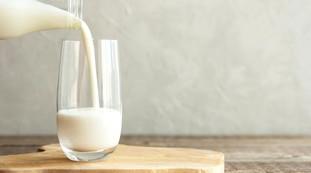 Prodotto alterato, scatta il richiamo: il famoso latte in bottiglia da evitare | Vedere