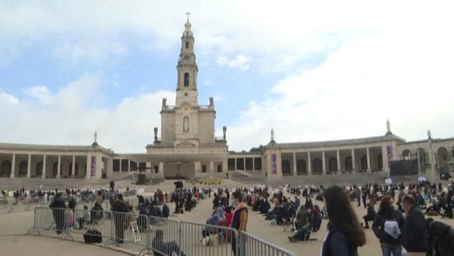 Pellegrinaggio ridotto a Fatima: 7.500 fedeli (invece di 300.000)
