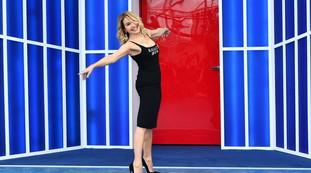 Muitas felicidades!.  Mas ele morreu há oito anos, a super-heroína Barbara Dorso: Frost on Canale 5