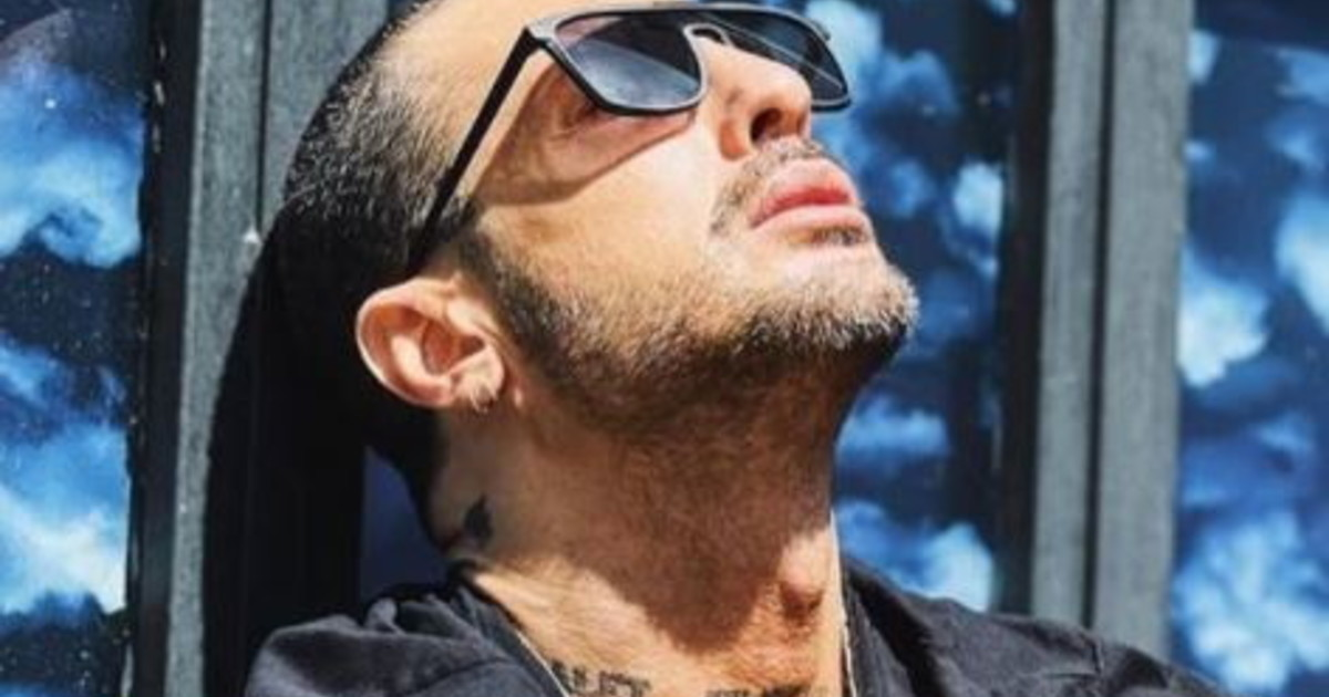 How do I do now without you ?.  Fabrizio Corona in mourning, overwhelmed by pain: absurd death, only 58 years old    Look