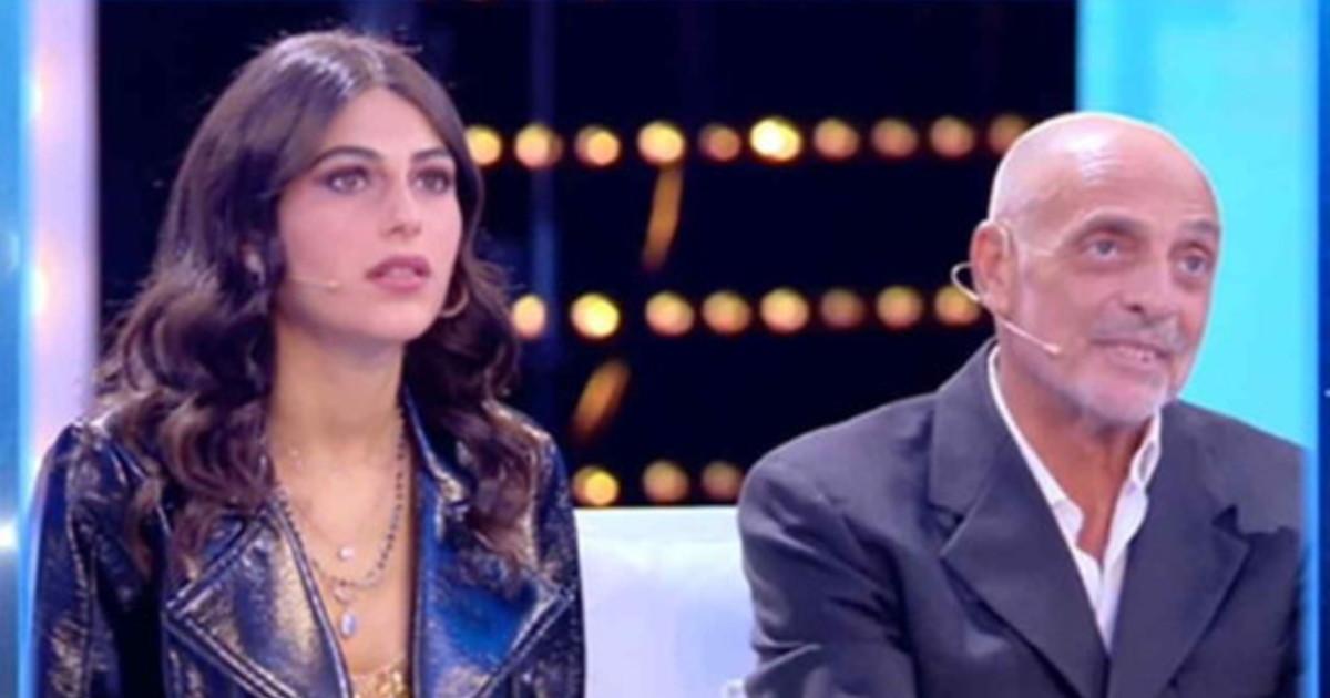 Per stare di più in tv. La giovanissima ex di Paolo Brosio vuota il sacco: l'intreccio pesante con Fabrizio Corona, cosa mi diceva