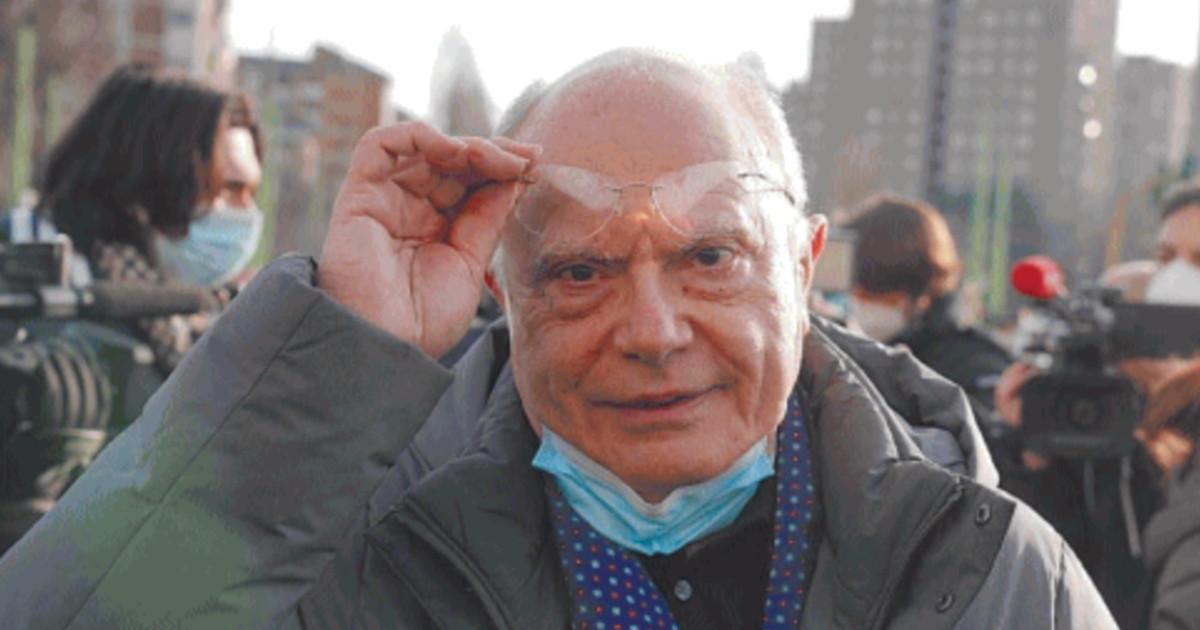 Me lo sono trovato davanti in tv, ecco come si è arreso: Pietro Senaldi picchia durissimo su Massimo Galli, il crollo del professore