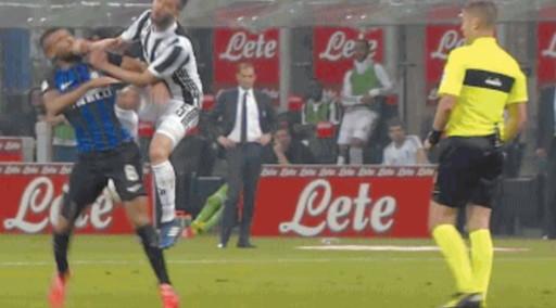 Lo scandaloso arbitrato di Daniele Orsato in Inter-Juve? Scoop delle Iene: Ecco cosa dice al Var, ombre sui bianconeri
