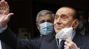 Un male insidioso e tremendo, la mia nuova vita in casa. Berlusconi rompe il silenzio e accusa: Chi mi ha fatto molto male
