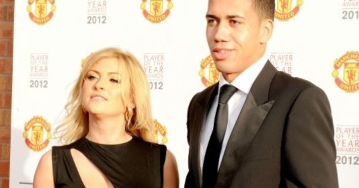 UFO: It was spinning and the lights were flashing.  Shocking scene of Romanista Smalling and his wife