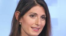 Non serve qualcuno seduto in bagno: raptus-Virginia Raggi, insulti a Vittorio Sgarbi in diretta tv