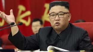 Per salvarsi dal Covid fa morire di fame la gente: la follia e la tragedia di Kim Jong-un in Corea del Nord