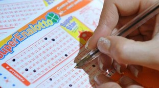 The lottery, 731 million won in the village of the poor.  Turn a letter: confusing name