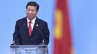 La tua testa è schiacciata, il tuo sangue contro la muraglia cinese: orrore comunista, Xi Jingping minaccia il mondo