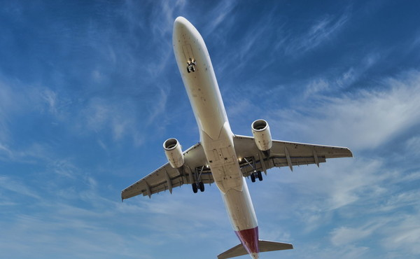 Villanova d'Albenga, il carrello dell'aereo non si apre: dove atterra il pilota, un miracolo