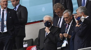 Mattarella didn't have to go to Wembley.  Revelli, the Delta variant bomb on Draghi