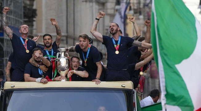 Too easy and very Italian.  Bonucci?  Interview-bomb, here the building is shaking: how did it really go on the blue bus