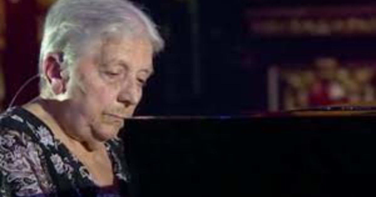 Tu si que vales, terrible mourning at night.  He was supposed to perform tomorrow.  Farewell to Nerina Peroni, the woman who moved to Italy