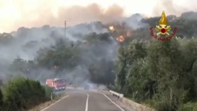 Sardegna, incendi e devastazione: 'Cadaveri di bestiame e animali', Apocalisse di fuoco