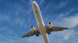 Mayday, Mayday. Aereo costretto ad un atterraggio di emergenza: allucinazioni e perdita di conoscenza, inimmaginabili a bordo