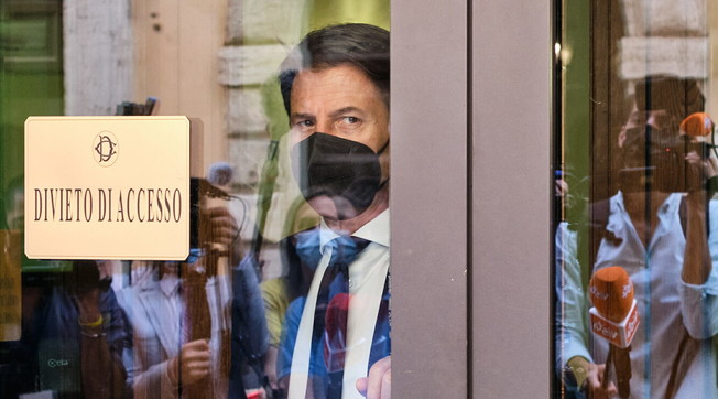 These are disrespectful.  Background, stolen from Giuseppe Conte: rags flying with traitor Grillini