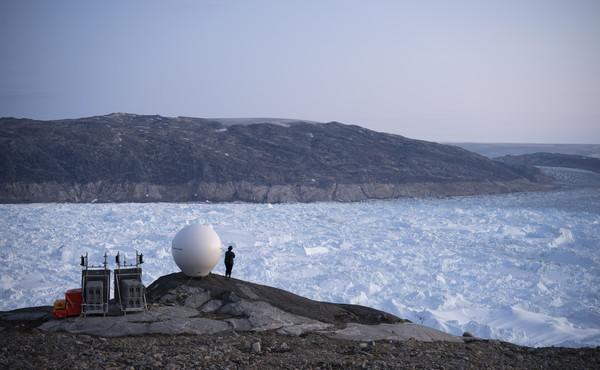 Clima, fenomeno sconcertante: per la prima volta piove sulla calotta glaciale della Groenlandia