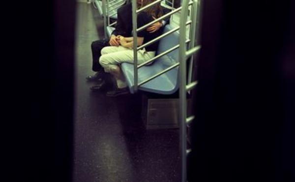 """Masturbarsi in treno si può, la sentenza choc della Cassazione: """"Non ci sono minori"""""""