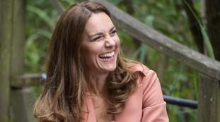 Kate Middleton pegou fazendo compras assim?  Olhando os detalhes, que humilhação para Meghan Markle    pesquisar